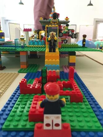Warum Legosteine Sie beim Lösen Ihrer Herausforderungen unterstützen…
